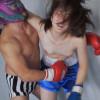 橋本京子&前田るりがミックスボクシングで人間サンドバック状態