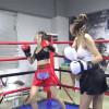 スレンダー美女が3ラウンド制女子ボクシングで白熱の対決!Ling VS Xii