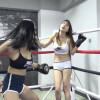 実力差のある美女二人が退屈しのぎに女子ボクシング対決