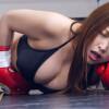 超人気の美女同士がビキニ姿で女子ボクシング対決 新村あかりVS美波沙耶